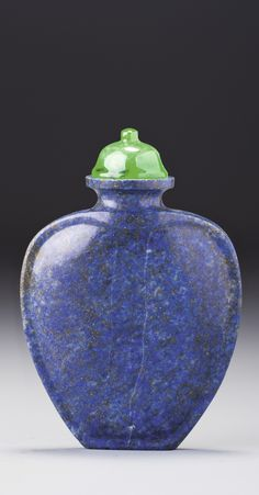 A LAPIS LAZULI SNUFF BOTTLE<br>QING DYNASTY, 18TH / 19TH CENTURY | lot | Sotheby's