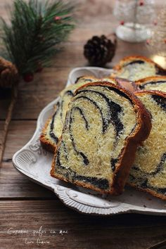 Cozonac cu mac (pufos, se rupe in fasii) Muffin, Mac, Bread, Breakfast, Food, Breads, Recipes, Morning Coffee, Brot