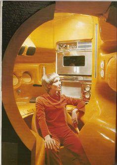 Retro - Kitchen designed in the by Luigi Colani, displayed in MoMA, New York, also displaying Colani's trademark wierdness. Colani Design, Bio Design, Luigi, Retro Vintage, Mid-century Modern, Retro Interior Design, Cafe Interior, Ard Buffet, Futuristic Interior