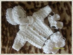 Knitted Baby Clothes, Baby Sweaters, Burlap Wreath, Baby Knitting, Diy And Crafts, Toys, Knitting And Crocheting, Tricot, Layette