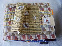 BIMBOLUNAE è il nome di una nuova collezione di libri di stoffa, di una linea di libri per bambini realizzata da un gruppo, \