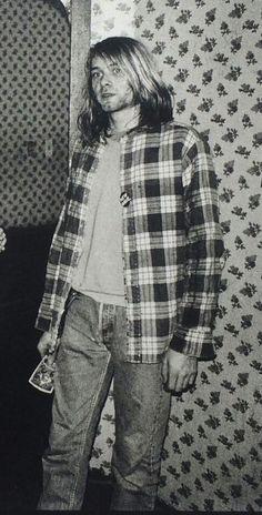 Kurt Cobain at Raji's in Hollywood, CA, US. February 15th, 1990. Photographs by Kirk Dominquez