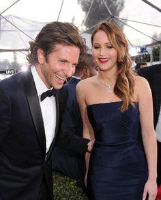 Pin for Later: 24 Raisons Pour Lesquelles Jennifer Lawrence et Bradley Cooper Devraient Se Marier Bonus: ils se font rire l'un l'autre.
