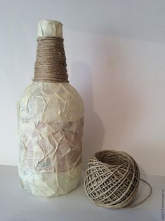 Ideas Creativas y Practicas: DIY Botella decorativa Reciclaje Botellas Alteradas, Reciclar Botellas De Plástico, Botellas Con Decoupage, Artesa… Glass Bottle Crafts, Wine Bottle Art, Diy Bottle, Bottle Vase, Bottles And Jars, Glass Bottles, Crown Royal Bottle, Decoupage Glass, Bottle Centerpieces