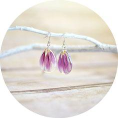Petal earrings- pink chrysanthemum petals- eco resin - flower earrings -gift for a woman, botanical jewelry, teardrop earrings on Etsy, $30.00