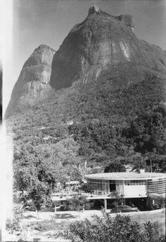 """""""Bar Bem"""", em São Conrado / RJ - Década de 60   Possivelmente o primeiro estabelecimento comercial de certa estrutura em São Conrado."""