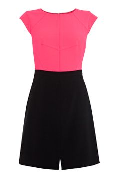 Stand out at your next event in this chic colour block sculpting style. The Sammi Dress features a seamed bodice that contours the bust area, giving the illusion of a smaller waist whilst the capped sleeves and stream line skirt make for a modern look. This round neck dress is closed with a concealed back zip for a secure fit. Just add heels and earrings for a complete party look.