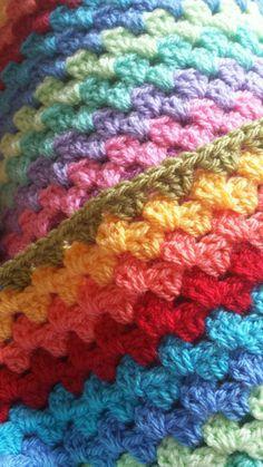 crochetmelovely:  iklachomzwaartekracht:  Just keep trebling, just keep trebling…  Color inspiration <3
