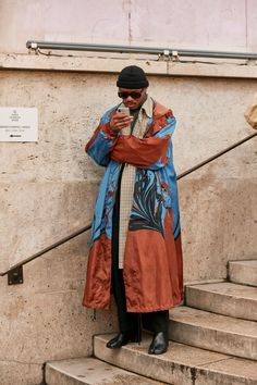 Paris Men's Fashion Week: All the best street style snaps from the fall/winter 2019 runway season Mens Fashion Week, Look Fashion, Fashion Outfits, Fashion Design, Paris Fashion, Afro Punk Fashion, Style Snaps, Cool Street Fashion, Streetwear Fashion