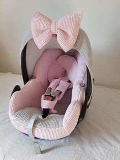 and baby fashion Maxi Cosi Pebble complete bekleding - roze - grijs - wafel Maxi Cosi Pebble Komplettpolster - Pink - Grau - Waffel Baby Girl Car Seats, Baby Girl Carseat Covers, Baby Cars, Baby Must Haves, Baby Arrival, Everything Baby, Baby Time, My Baby Girl, Baby Girl Stuff