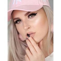 New makeup tutorial  https://youtu.be/PSHafZQTDtI  #shaaanxo