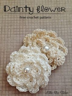 Dainty DIY Crochet Flowers With Free Pattern Wonderful DIY Dainty Crochet Flower Free Pattern Diy Crochet Flowers, Knitted Flowers, Crochet Crafts, Yarn Crafts, Easy Crochet, Crochet Projects, Crochet Flower Headbands, Yarn Flowers, Kids Crochet
