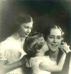 Queen Elisabeth with her grandchildren Josephine Charlotte and Albert