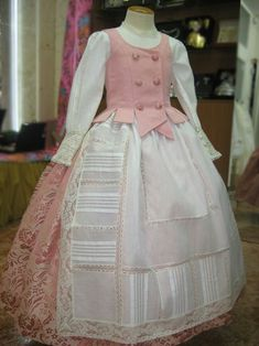 Huertana 18th Century Fashion, Kids Fashion, Fashion Outfits, Renaissance Dresses, Marie Antoinette, Historical Clothing, Pretty Dresses, Gowns, Costumes