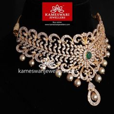 Traditional gold necklaces for women from the house of Kameswari. Shop for antique gold necklace, exquisite diamond necklace and more! Indian Jewelry Sets, Silver Jewellery Indian, Indian Wedding Jewelry, Gold Jewellery Design, Bridal Jewelry, India Jewelry, Choker Necklace Online, Choker Necklaces, Pandora