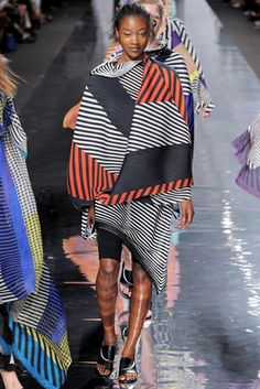 Issey Miyake Spring 2013 Ready-to-Wear Fashion Show: Complete Collection - Style.com