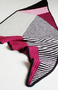 Ravelry: Project Gallery for Vertices Unite pattern by Stephen West Shawl Patterns, Knitting Patterns Free, Free Knitting, Stitch Patterns, Crochet Patterns, Rowan Felted Tweed, I Cord, Yarn Sizes, Garter Stitch