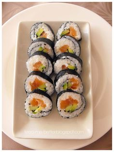 Feed Me Better: Jak zrobić sushi? Seafood Dishes, Japanese Food, Hot Dogs, I Am Awesome, Favorite Recipes, Wellness, Eat, Ethnic Recipes, Board