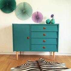 Mobilier, commode buffet vintage, années 60, rénovée à la main, coloris vert eucalyptus - Mid century modern dresser, vintage chest of drawers, green color