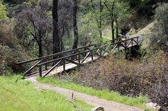 https://flic.kr/p/bQqQzM | Footbridge, Buttermilk Bend Trail | This bridge spans French Corral Creek.  Shot by Ray Bouknight using a Canon XSi, April 2012, in South Yuba River State, Nevada County, California.