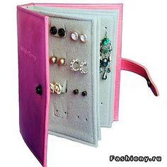 earrings organizer! :O