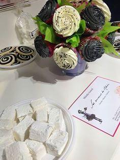 Bouquet de cupcakes, assemblés par Mélodie,  des Sucreires de Mélodie.  Le cadeau dont on se souvient...  Bons cadeaux à portée de main  ttp://www.gifting.fr/cheque-cadeau_Les- Sucreries-de-Melodie_43.html