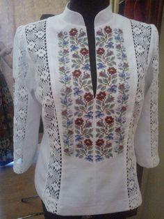 Embroidery On Clothes, Embroidered Clothes, Embroidery Fashion, Embroidery Dress, African Fashion Dresses, Fashion Outfits, Folk Fashion, Womens Fashion, Kurta Designs Women