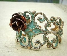 This vintage ring is so unique!