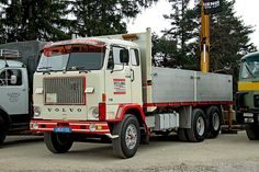 t - VOLVO F88 | Flickr - Photo Sharing! Old Lorries, Volvo Trucks, Commercial Vehicle, Diesel Trucks, Classic Trucks, Semi Trucks, Cute Photos, Concept Cars, Cars And Motorcycles