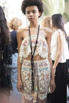 See beauty photos for Chloé Spring 2016 Ready-to-Wear collection.