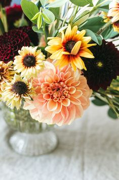 An Early Fall Centerpiece of Peach and Burgundy Flowers DIY from Jojotastic. Floral arrangement with dahlias Rudbeckia. Baptisia Foliage and Olive Foliage. Decor Style Home Decor Style Decor Tips Maintenance home Burgundy Flowers, Fall Flowers, Decorating Small Spaces, Fall Decorating, Do It Yourself Crafts, Diy Craft Projects, Home Decor Styles, Early Fall, Floral Arrangements