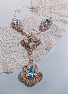 """Collier avec des cristaux et argent 925 brodés façon Y Topaze Bleu """"RESERVE"""" : Collier par les-merveilles-de-perles"""