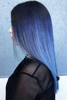 Trendy Hair Color Picture DescriptionRead on to discover trendy and unconventional light-blue, dark-blue, electric blue, blue-green, blue-purple hair color variations. Electric Blue Hair, Light Blue Hair, Black Hair Ombre, Hair Color Purple, Green Hair, Hair Colors, Hair Goals Color, Color Fantasia, Blue Wig