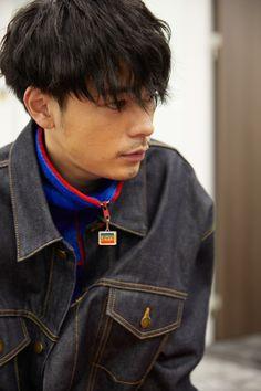 成田凌(NARITA RYO)1993年11月22日 Men's Leather Jacket, Japanese Men, Handsome Boys, Short Hair Styles, Hair Cuts, Hair Beauty, Beautiful Women, Hairstyle, Mens Fashion