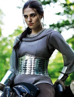 Morgana (Katie McGrath) of BBCs Merlin in armor looking really badass Colin Morgan, Katie Mcgrath, Supergirl, Oc Fanfiction, Morgana Le Fay, Merlin Morgana, Lena Luthor, Into The Fire, Chef D Oeuvre