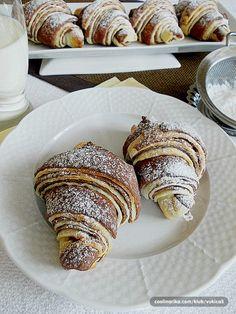 i ekstra fini, ukusni i dekorativni :))))) Candy Recipes, Sweet Recipes, Cookie Recipes, Snack Recipes, Dessert Recipes, Bosnian Recipes, Croatian Recipes, Puff Pastry Desserts, Sweet Desserts