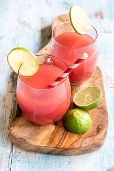 Eiskalter Erdbeer-Melonen-Drink