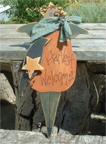 58 Free Woodcraft Patterns from Country Corner Crafts - Photo: Primitive Halloween Fall