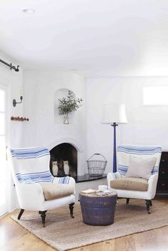 Cute chairs and blue lamp!
