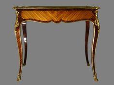 Table à écrire d'époque Louis XV estampillée LARDIN