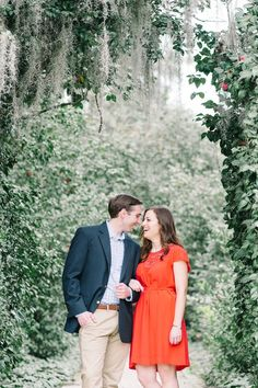 WILL + KATIE'S SPRING MIDDLETON PLACE PLANTATION ENGAGEMENT SESSION in Charleston, South Carolina » Aaron and Jillian Photography