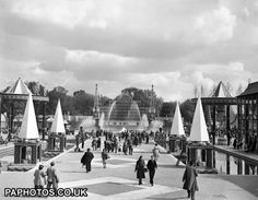 The Lake vista, Pleasure Gardens, Battersea Park. Uk History, London History, British History, Vintage London, Old London, London Photos, Interesting Photos, Best Cities, British Isles