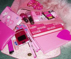 Pink, girly, and aesthetic image. Clueless Aesthetic, Retro Aesthetic, Tout Rose, Barbie, Princess Aesthetic, Everything Pink, Pink Walls, Mean Girls, Aesthetic Pictures