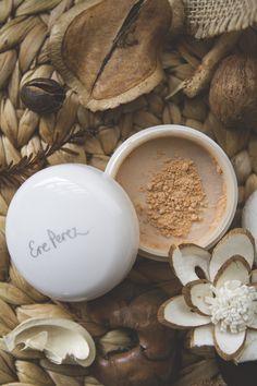 Ere Perez natural makeup - Correcting calendula powder foundation in medium | TLV Birdie Blog