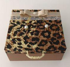 Porta jóias de onça com pérolas