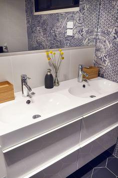 #Quintessenza Alchimia Bianco Nero Hexagon mix & Alchimia Nero #hexagon tiles used in the bathroom on The Block's Matt & Kim to the Rescue #tiles #mattandkim Tiles available at TILE junket2a Gordon Avenue Geelong West