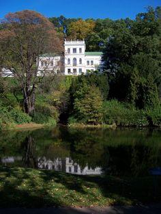 Jiráskova vila v malešické botanické zahradě Czech Republic, Travelling, Mansions, House Styles, Home, Manor Houses, Villas, Ad Home, Mansion
