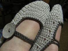 A Beautiful Ramble: Crochet Slippers - Free Crochet Pattern!