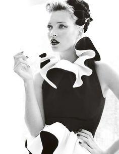 Kate Moss: a la mode - Vogue UK by Mario Testino, August 2011 Kate Moss, Mario Testino, Vogue Uk, 1940s Inspired Fashion, Miss Moss, Stephanie Seymour, Carla Bruni, Helena Christensen, Linda Evangelista