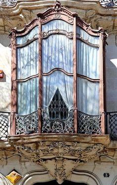 Barcelona - Alí Bei Window in Jugendstil, Art Novueau, Modernismo style.